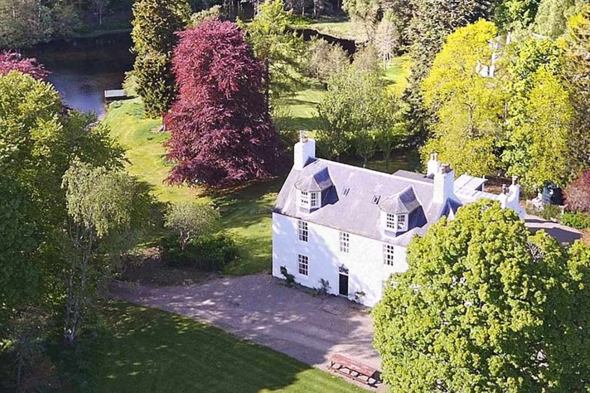 Aerial view of this beautiful property