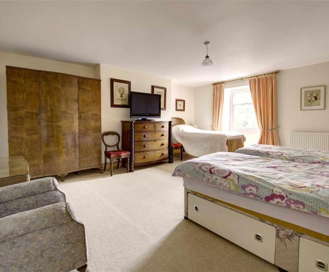 PW376 - Triple Bedroom