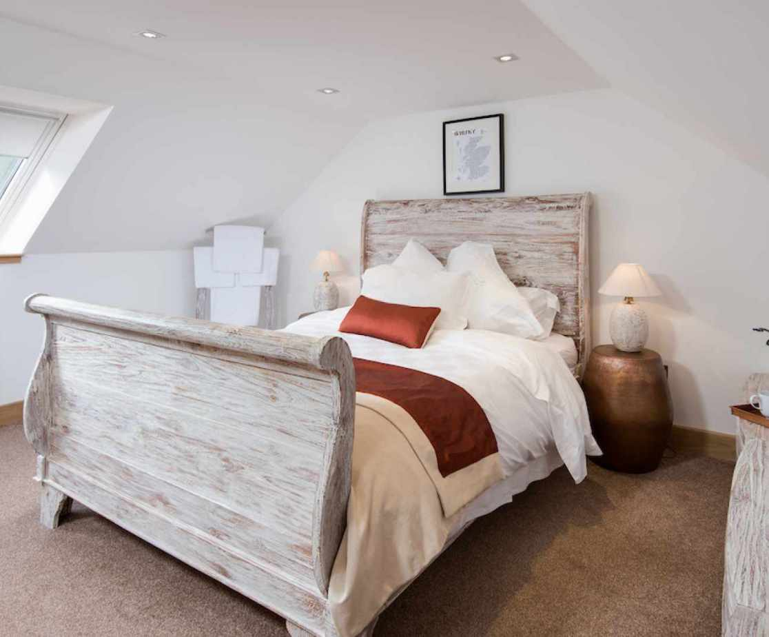 Another lovely double bedroom