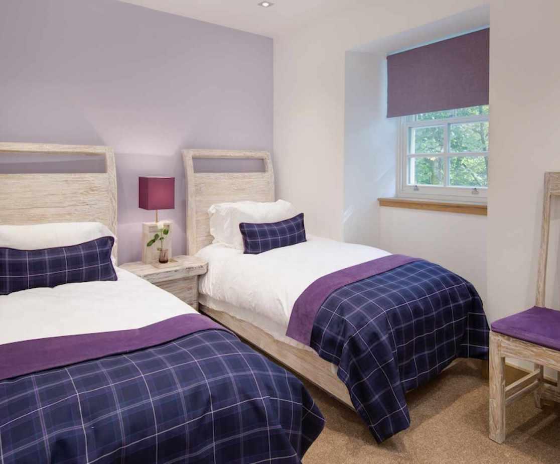 The purple twin room