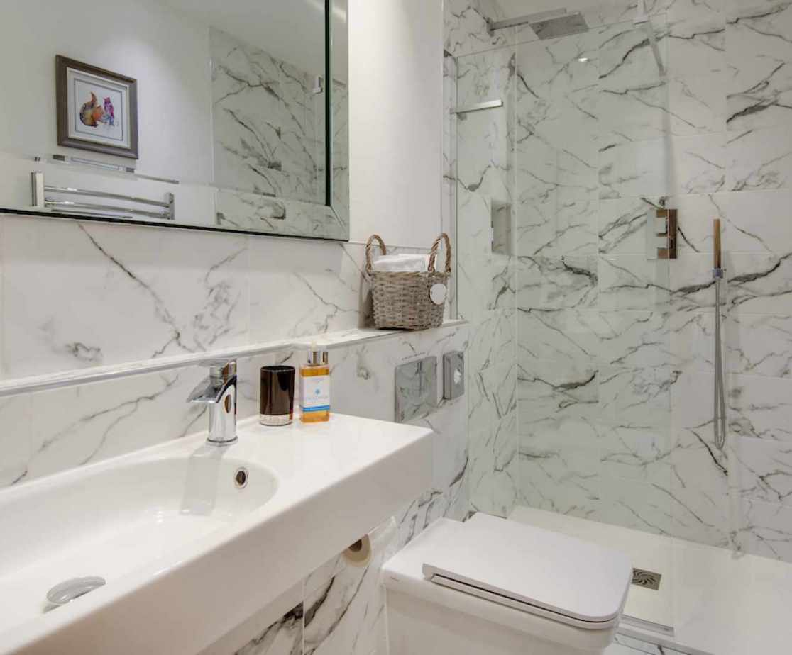 Bathroom with spacious shower cubicle