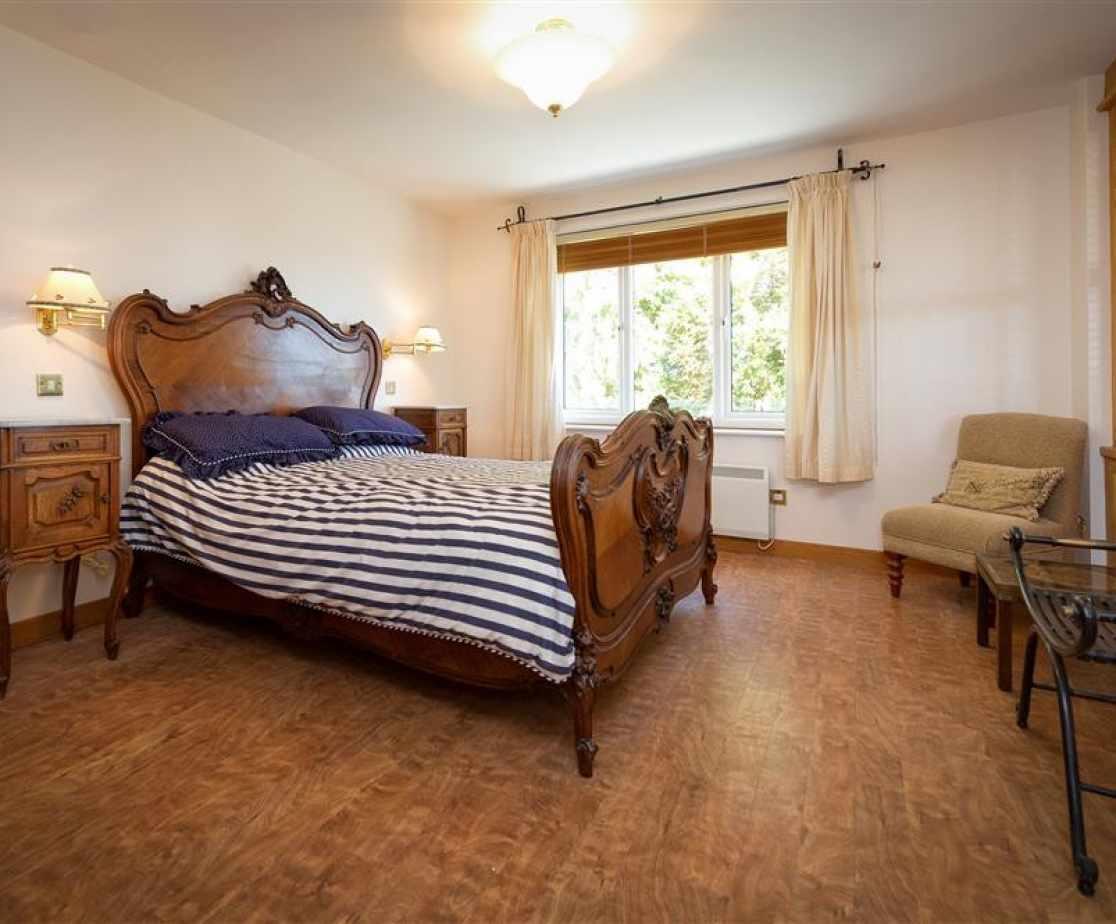 SANDAL - Master Suite Bedroom 5