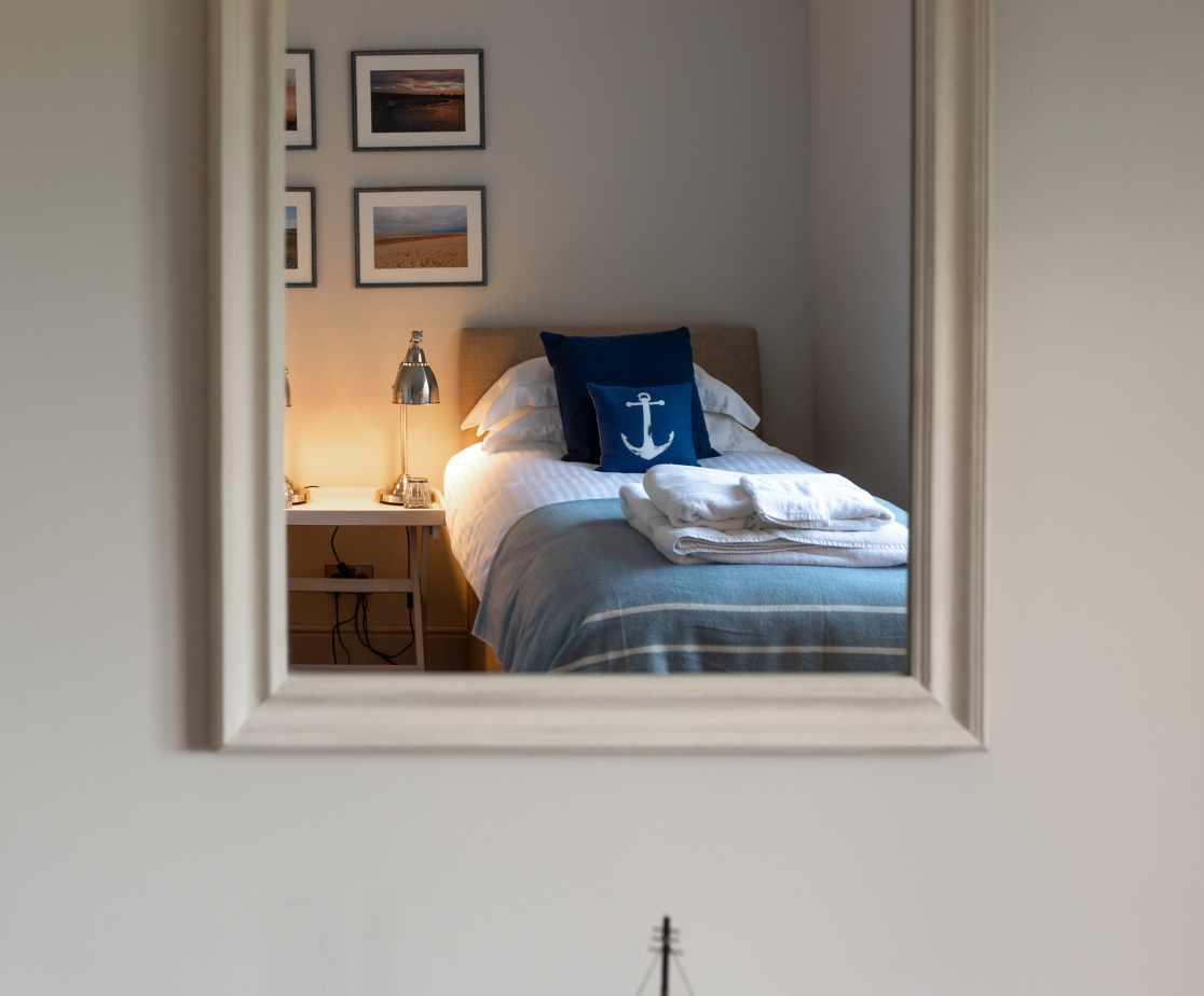 Malabar - Feature mirror