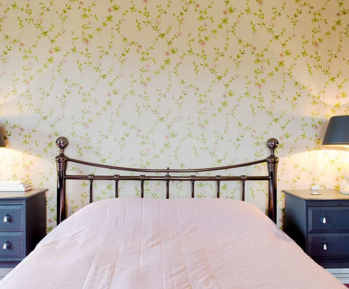 Bedroom 1 – Superking