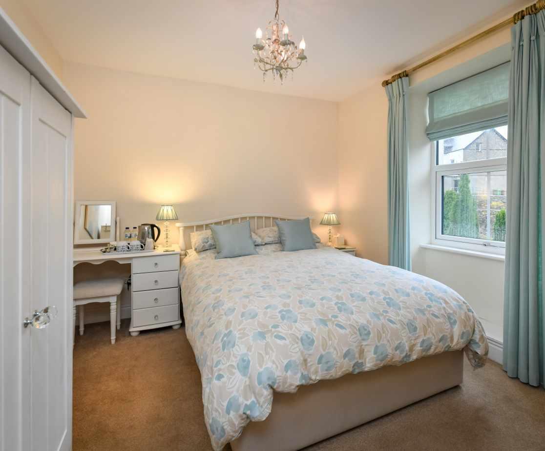 CRAIGY - Bedroom 3