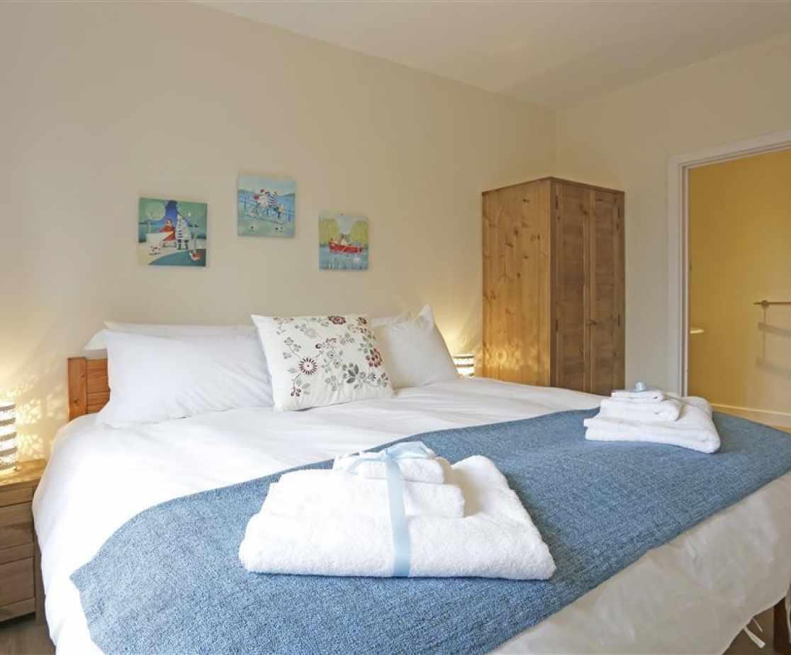 Kingfisher Bedroom 1