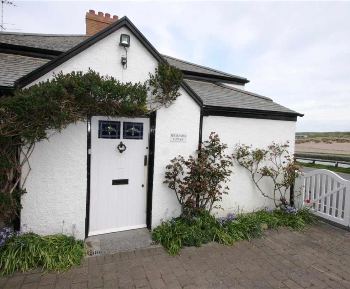 Front door of Breakwater Cottage
