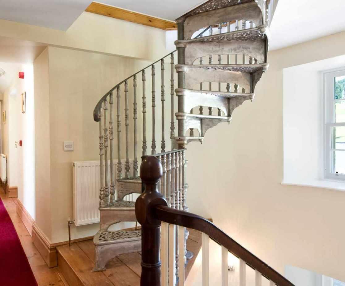 Castellated Luxury Mansion - bedroom corridor