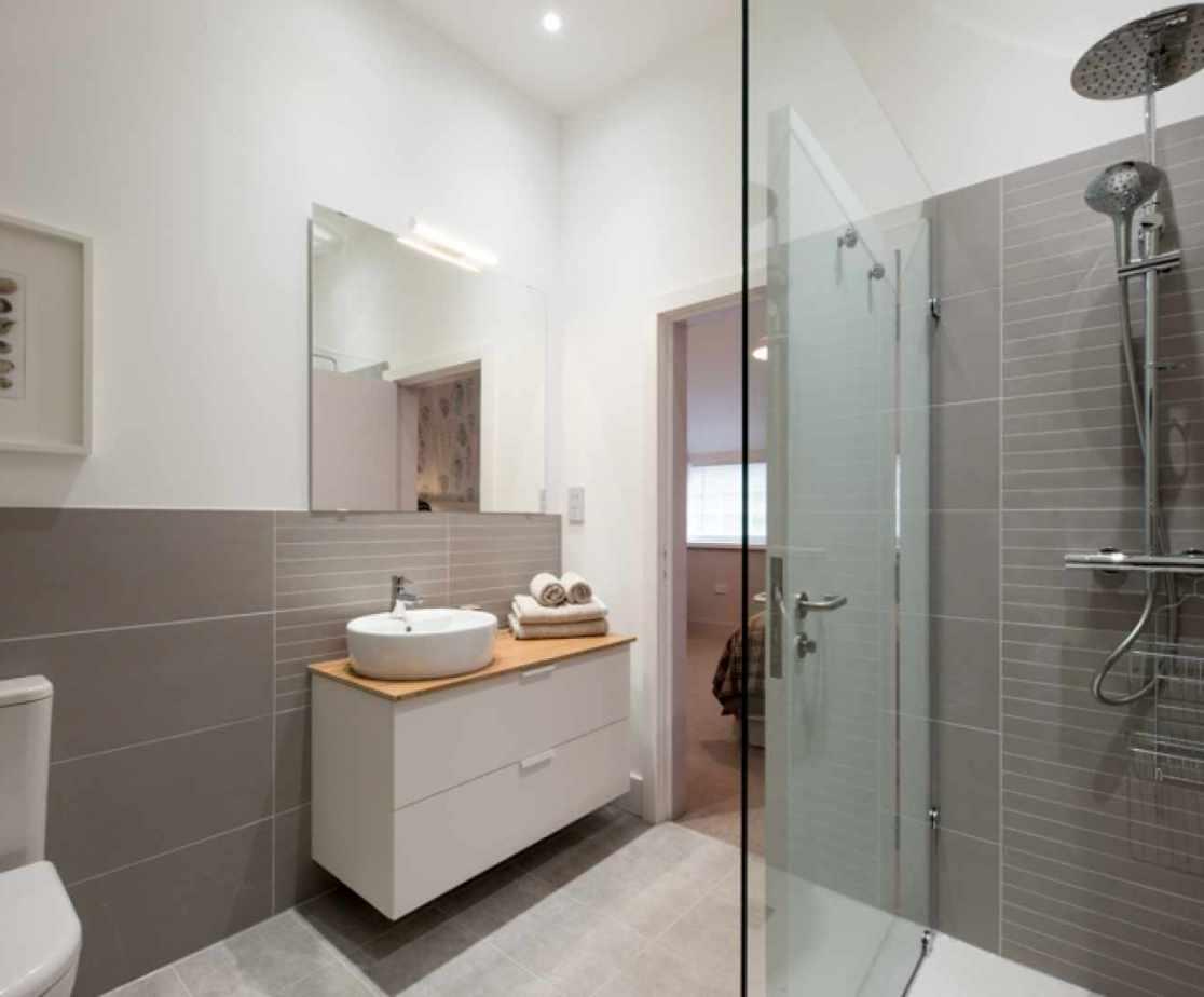 En-suite for bedroom 2