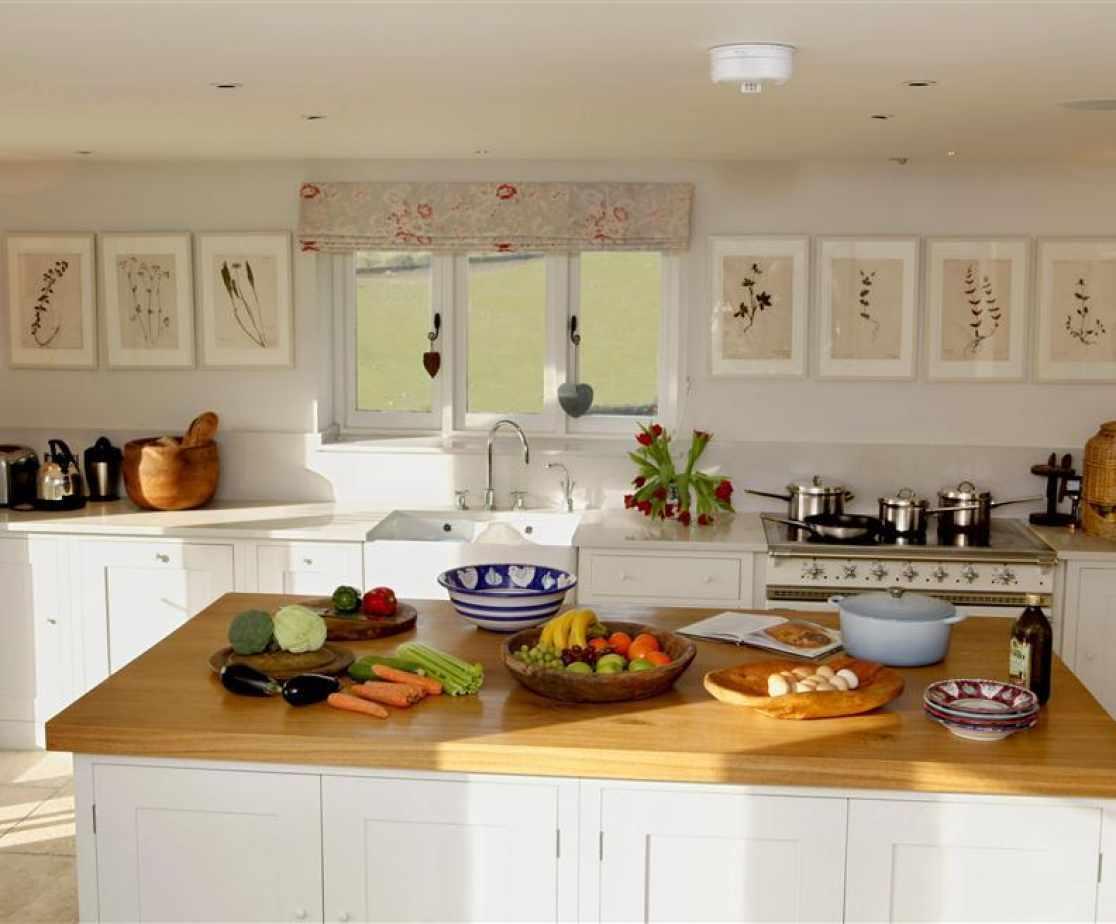 Strawberry Wood Barn - beautiful kitchen
