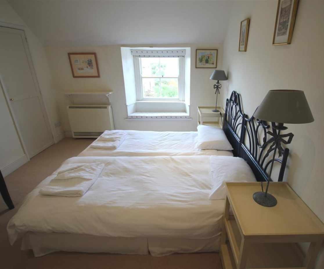 Zip n link twin bedroom