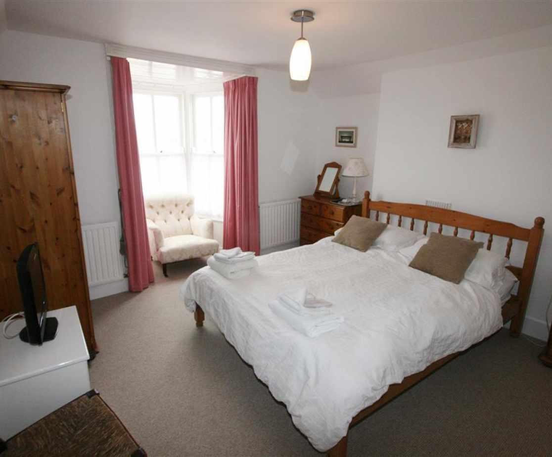 Master 5ft double bedroom