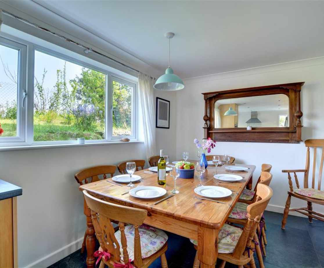 Dining area - Bro Tref Cottage