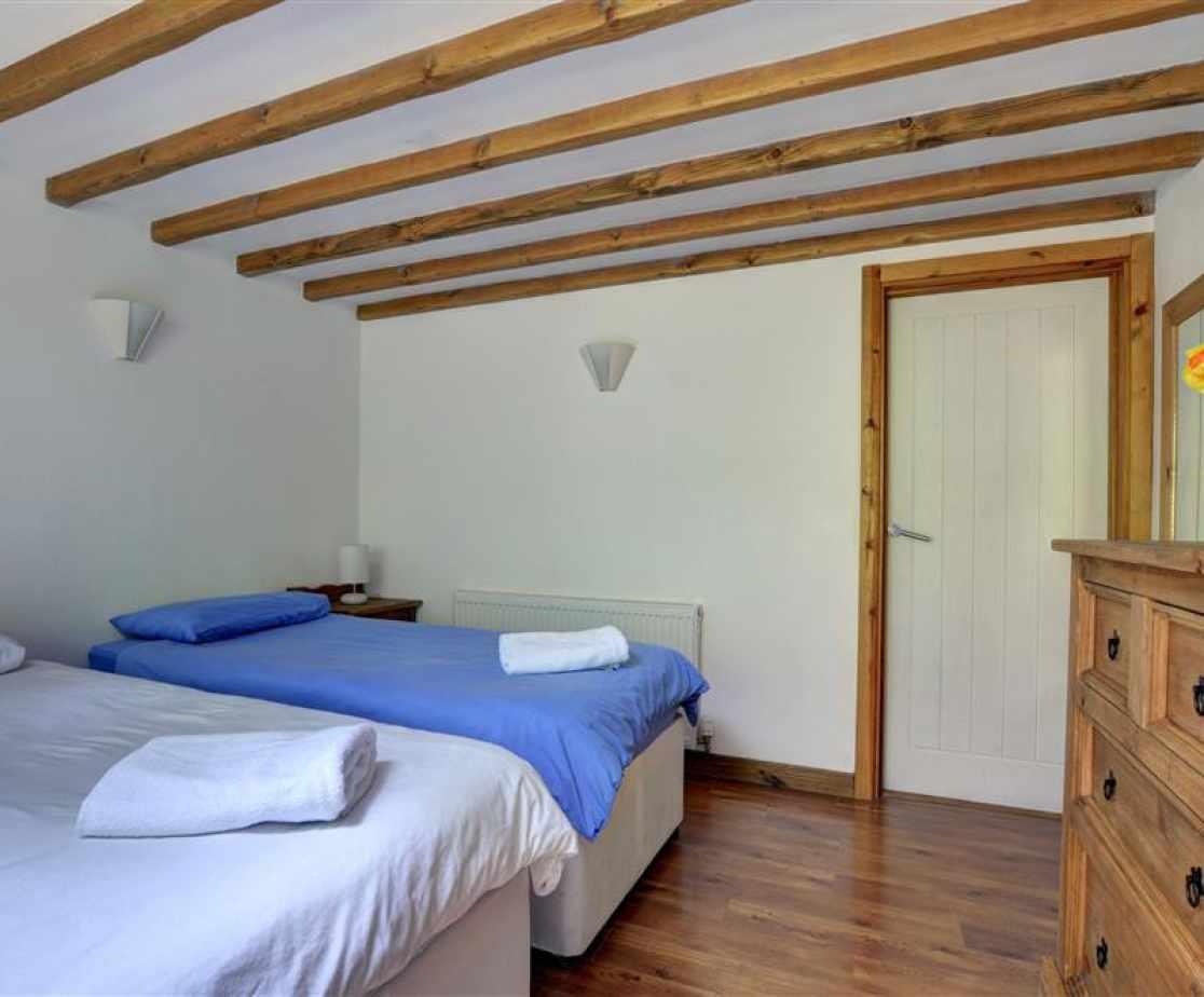 FL051 - Bedroom 2
