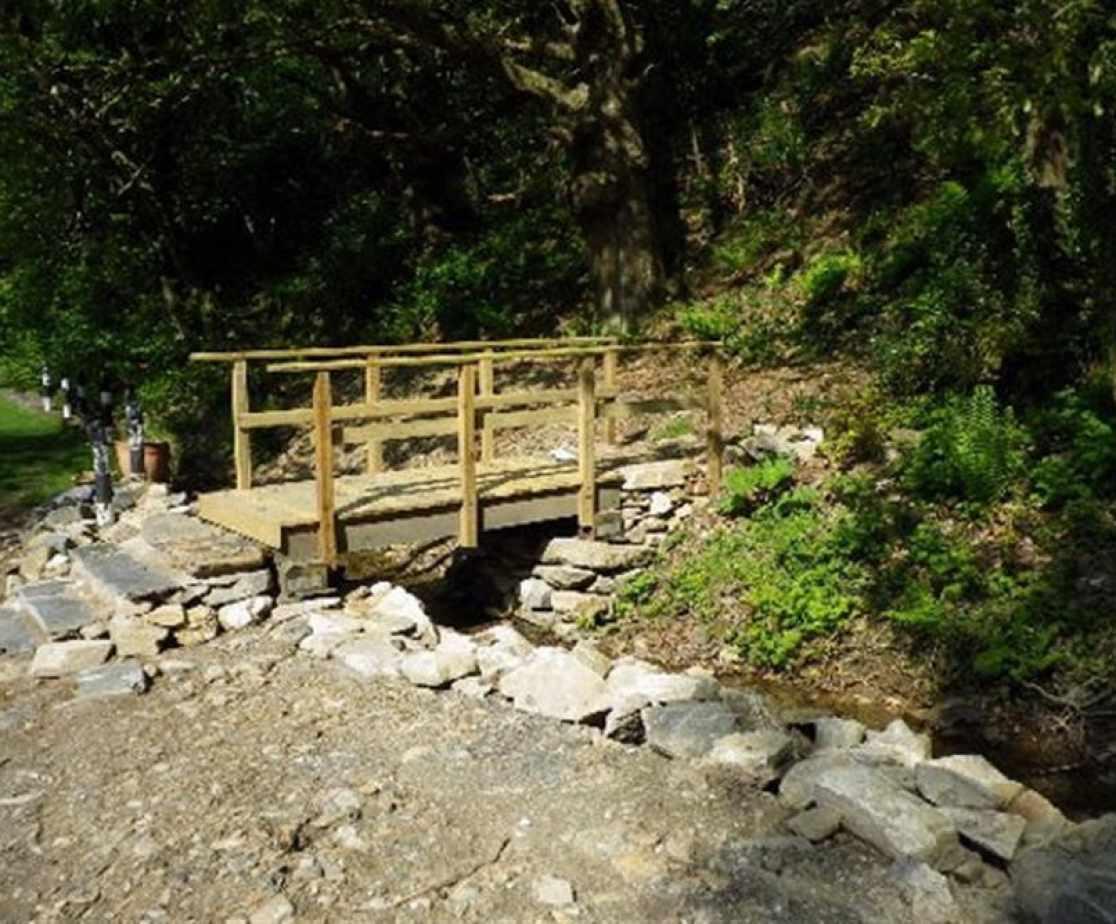 FL051_bridge.jpg