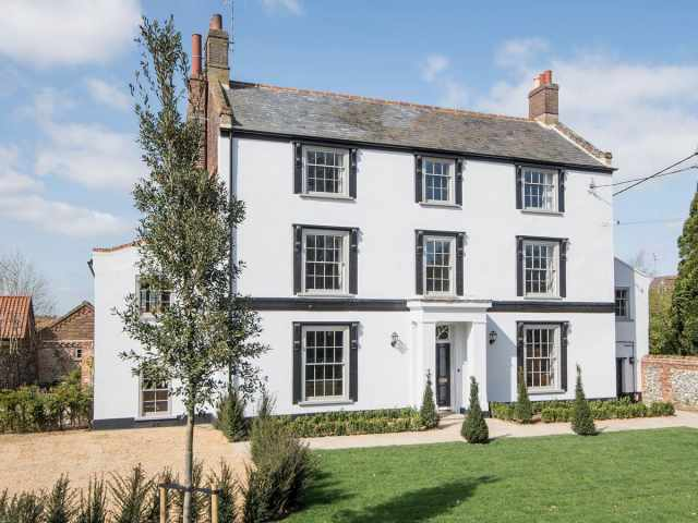 This stunning property dating back to the 1800's is the ideal holiday home