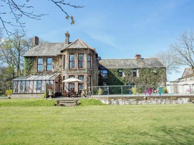 Impressive, detached, luxurious house