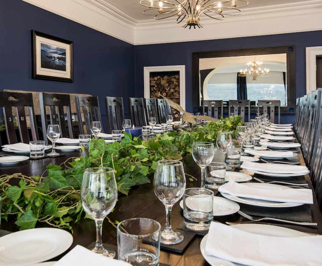 26 guests can be entertained around the large dining table