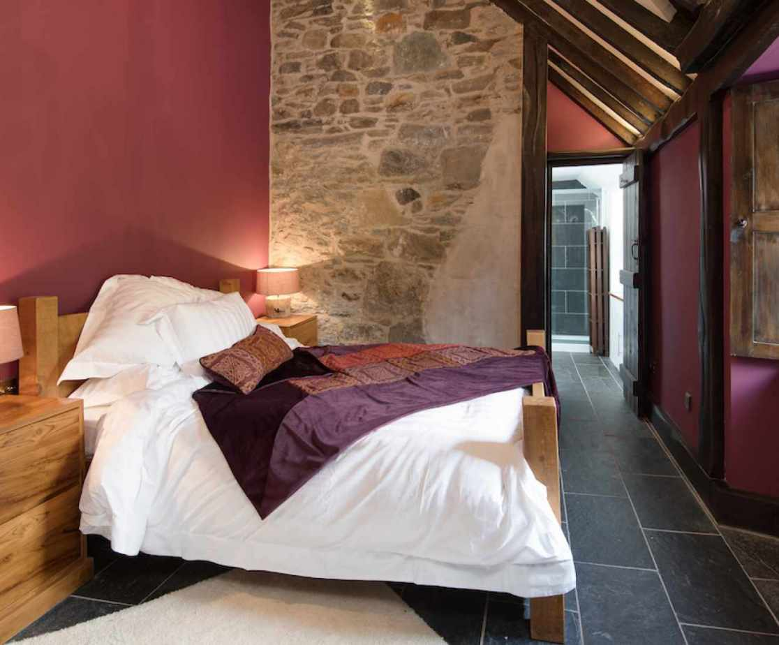 The \'Peregrine\' bedroom has a King size double bed