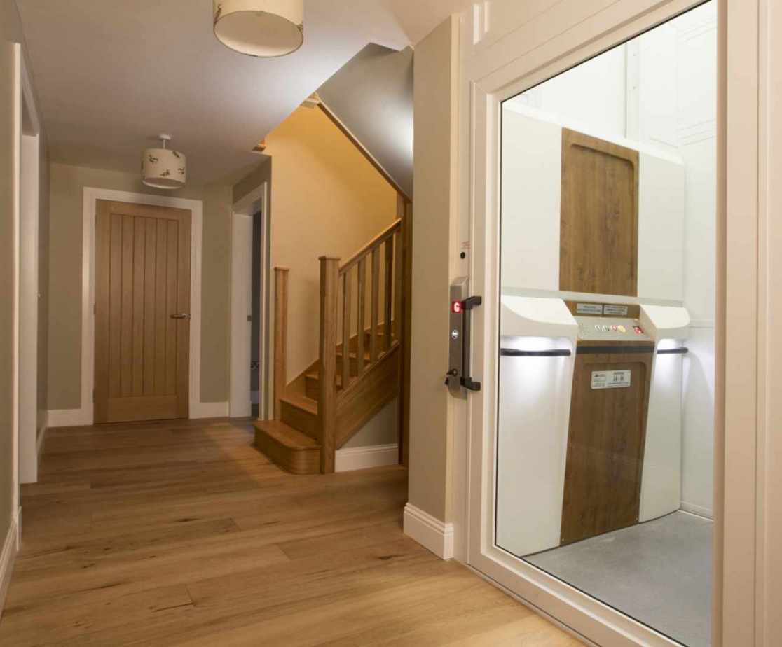 Luxury Perthshire Farmhouse, Wheelchair Accessible lift