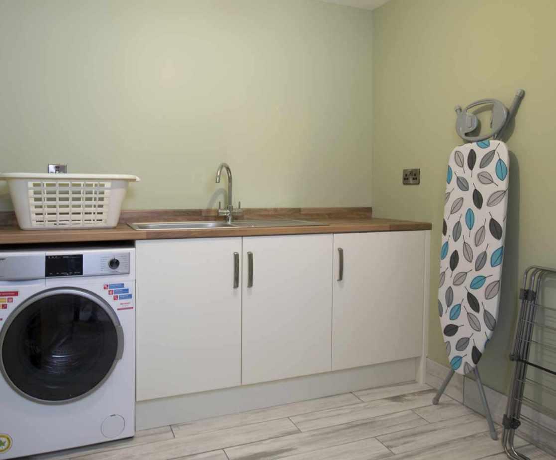 Luxury Perthshire Farmhouse, utility room with washing machine