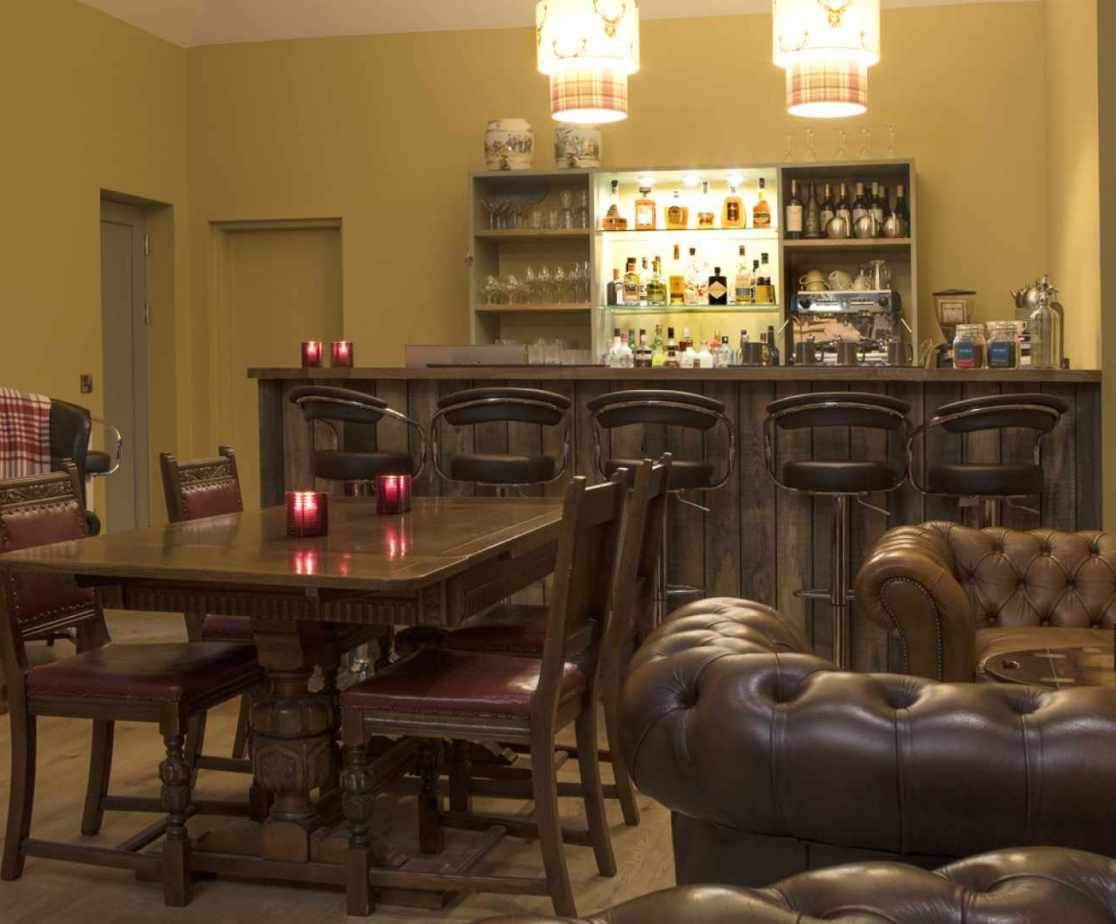 Luxury Perthshire Farmhouse, Games room and bar