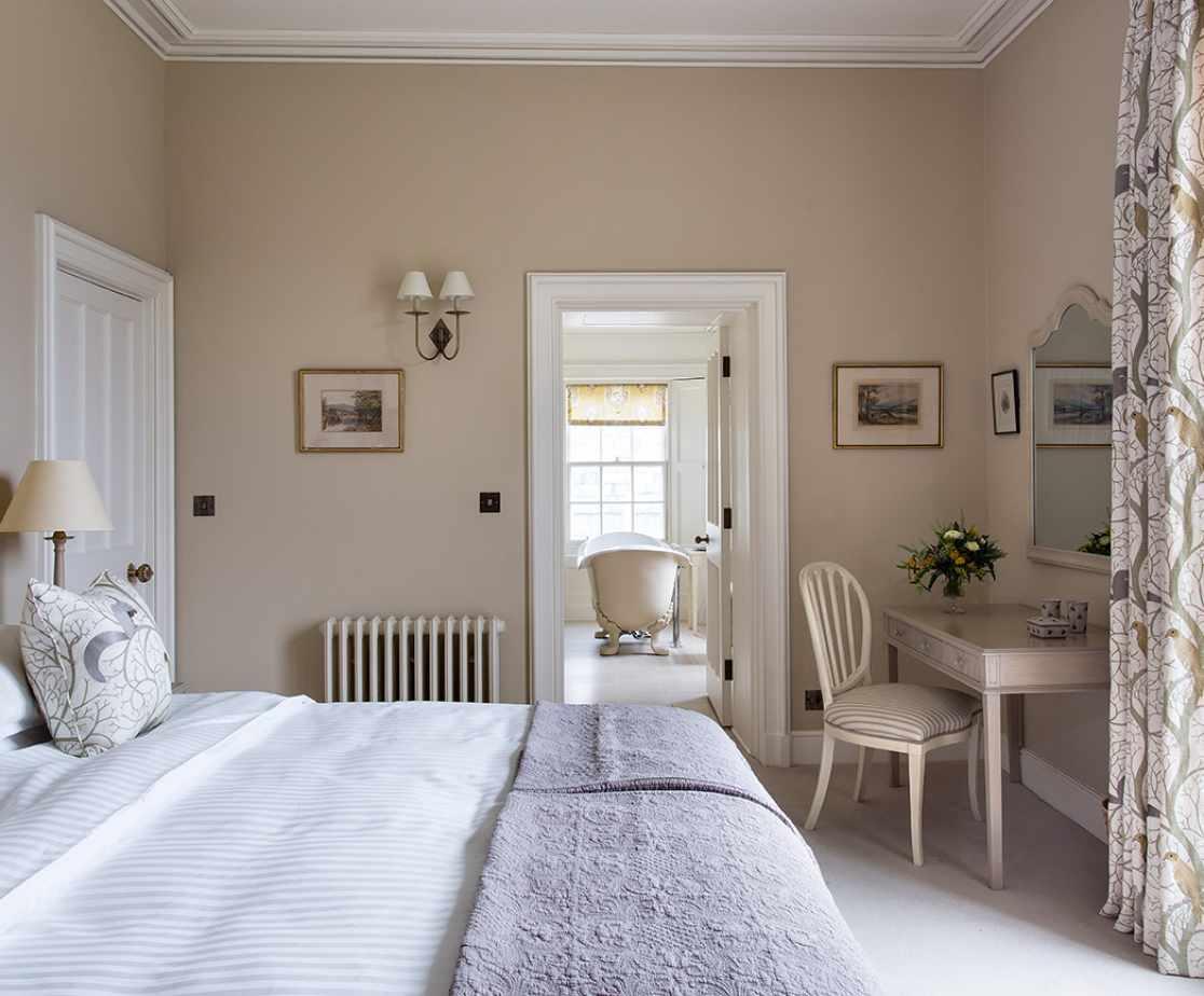 Bedroom | Luxury Melrose Castle