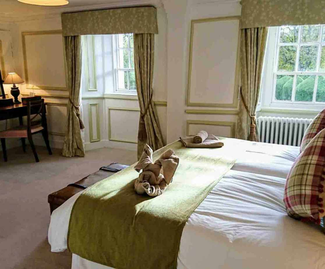 \'Macduff\' is a lovely bright room with flexible sleeping arrangements