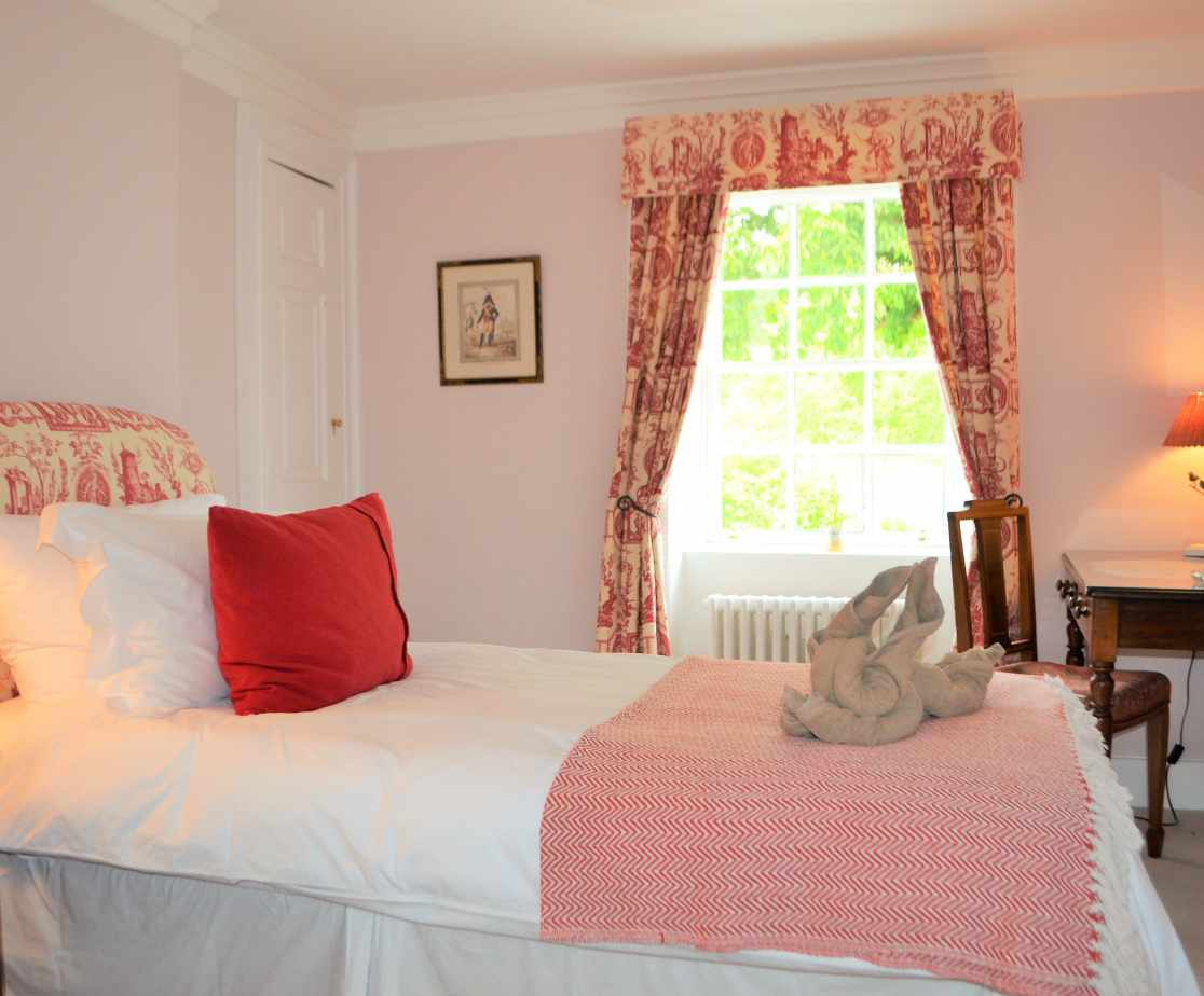 \'Farnell\' is a lovely little room on the first floor
